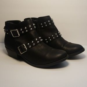 Report Shoes - Report Black Size 8  Studs Booties